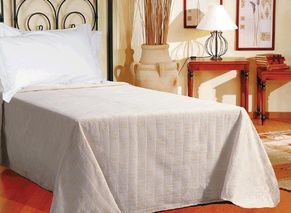Přehoz na dvoulůžkové postele RIGA 220 x 280 cm