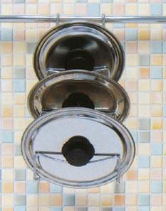 Závěsný držák na kuchyňské pokličky