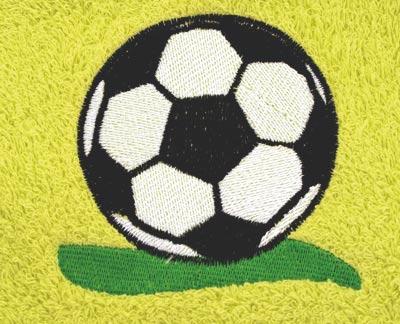 Osuška 70 x 140 cm fotbal, smetanová