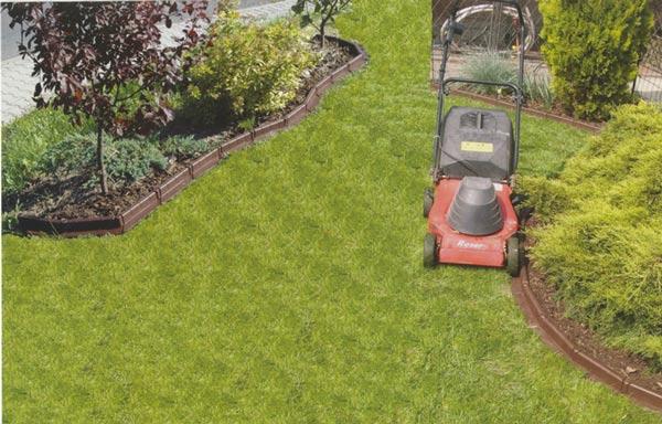 Zahradní obrubník plastový - hnědý