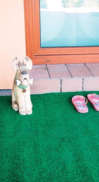 Umělý travní koberec B8034 venkovní 133 x 400 cm