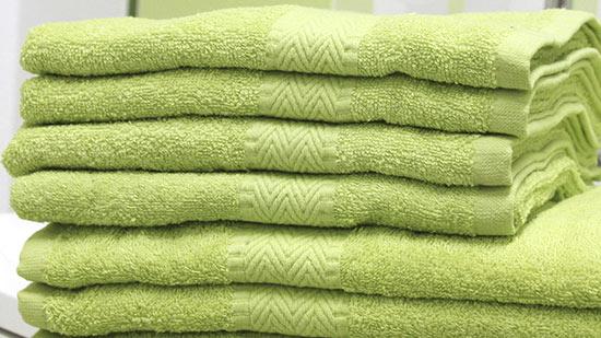 Osuška PAM 70 x 140 cm, jarní zelená