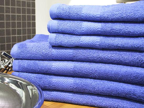 Ručník BOBBY 50 x 100 cm, tm. modrá