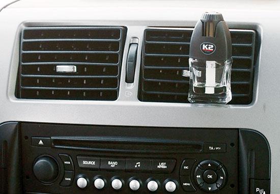 Osvěžovač vzduchu do auta na 60 dní Creo Black 8 ml - Vanila