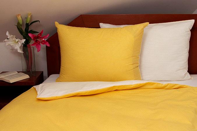 Tibex bavlněné povlečení Dots Yellow 140x200, 70x90cm. žluté
