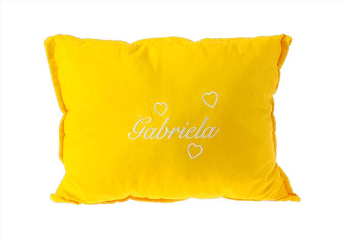 Polštářek se jménem srdíčka, žlutá - jméno Gabriela