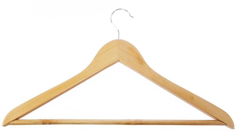 Dřevěné šatní ramínko 6588 45 cm, lakované